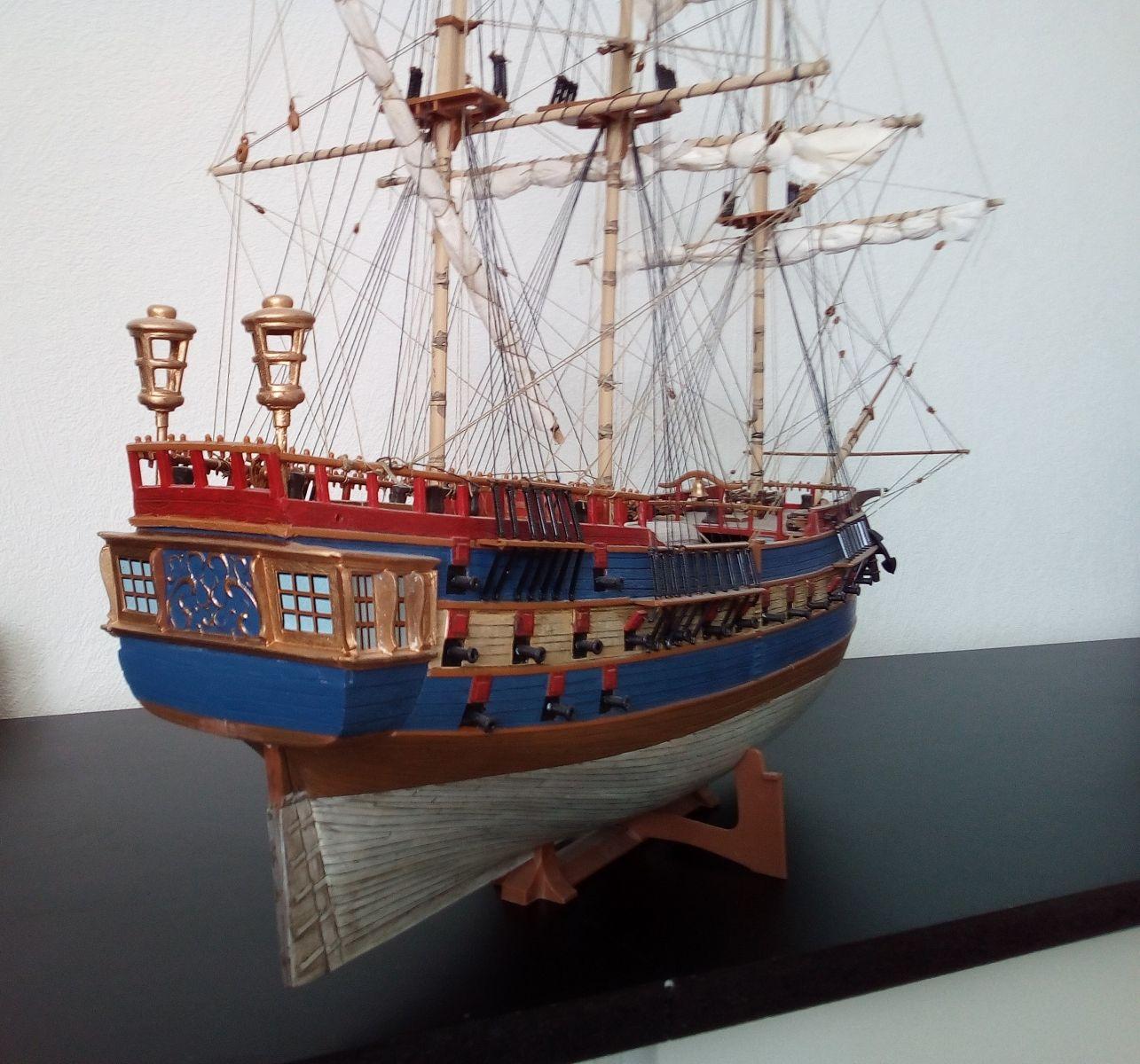 USS Bonhomme Richard / REVELL,  1:132 1852e5dc37