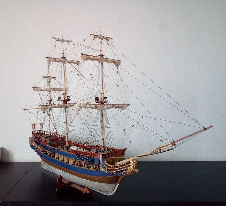 USS Bonhomme Richard / REVELL,  1:132 37b82974e7