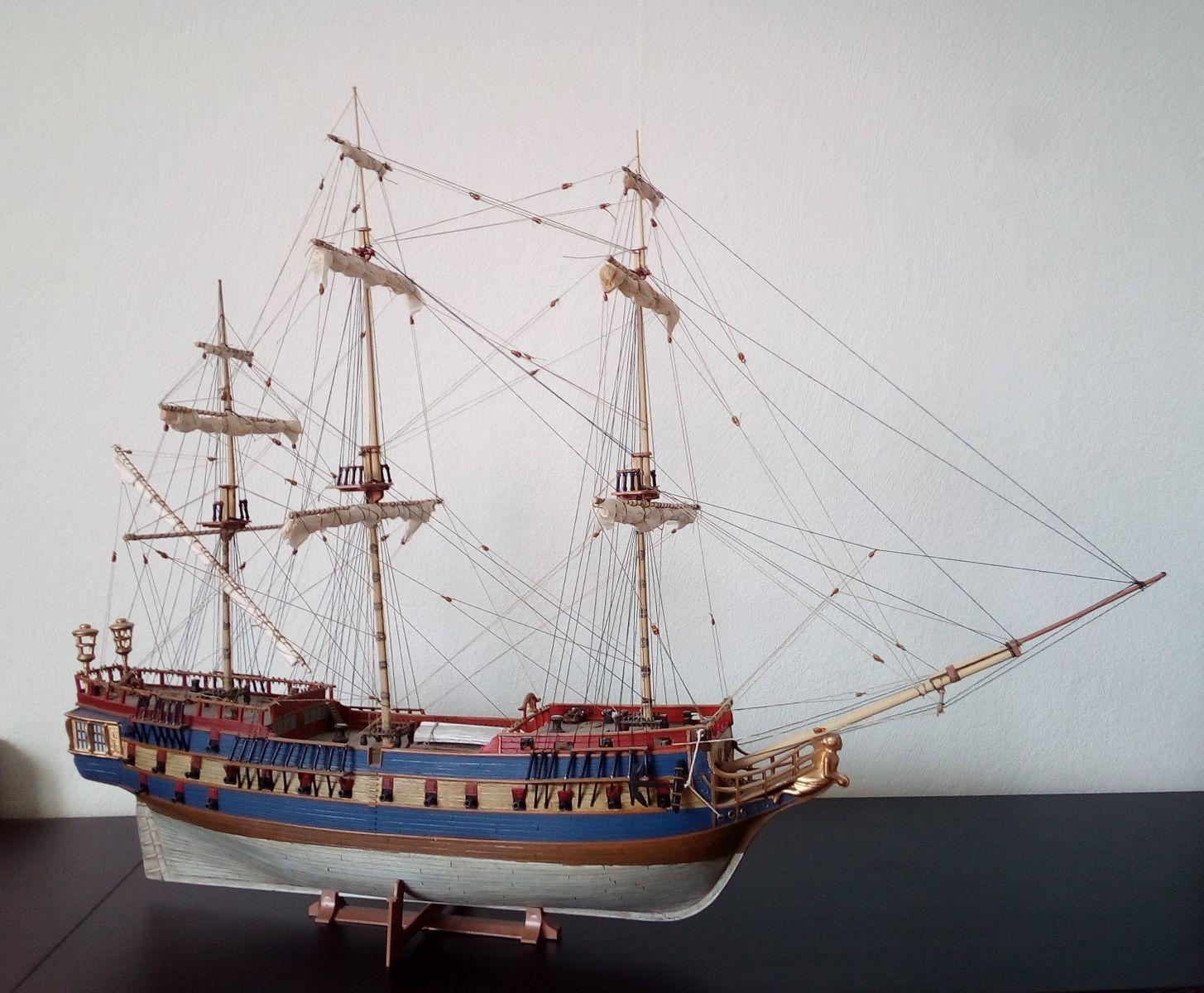 USS Bonhomme Richard / REVELL,  1:132 41069d857a